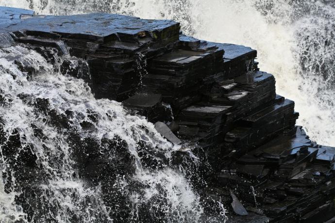 +1608 Sharon Morellus  Kakabeka Falls, Ontario 2009.jpg