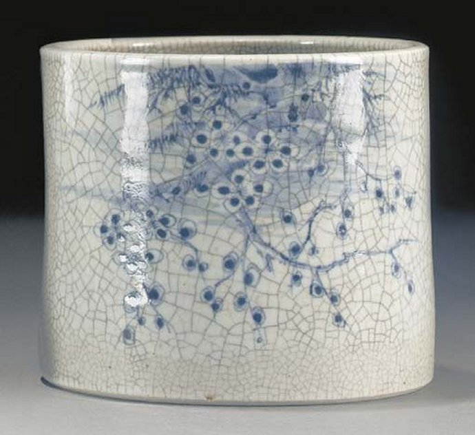 +2456 A blue and white crackleware brushpot. Japan, 18th century..jpg