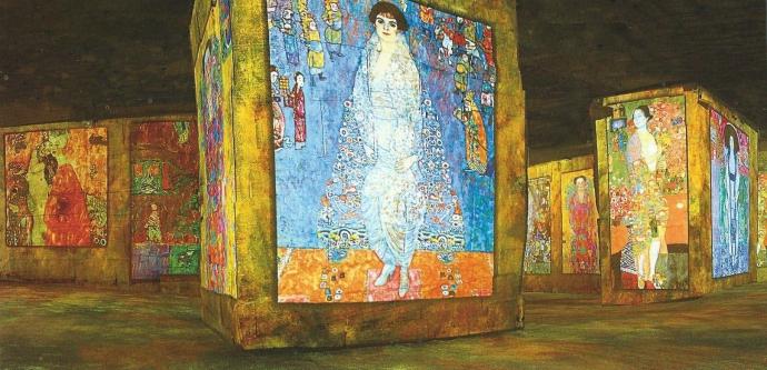 +++Sylvie C Klimt à la cathédrale des images des Baux de provence.jpg