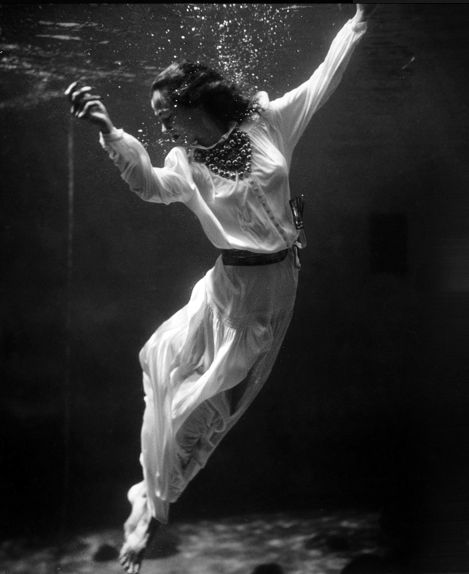 +1092 Toni Frissell     Untitled     1939.png