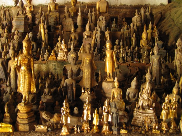+592 Buddhas of Pak Ou Caves, 16è s Laos.JPG