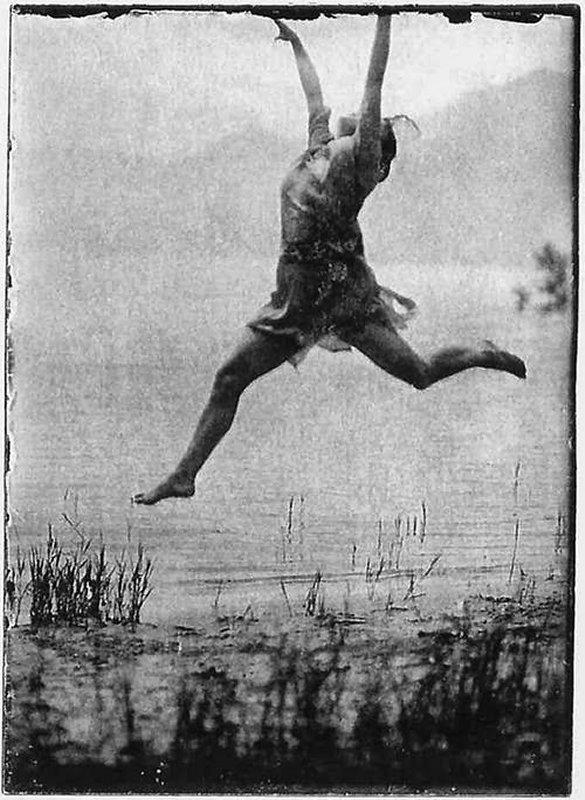 +1092b photographe inconnu la chorégraphe Mary Wigman   at the Lake Maggiore,  summer 1914.jpg