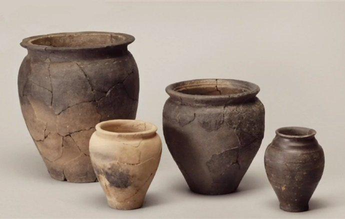 495 Poteries gauloises Eduens Opidum de Bibracte Ier siècle avant notre ère.jpg