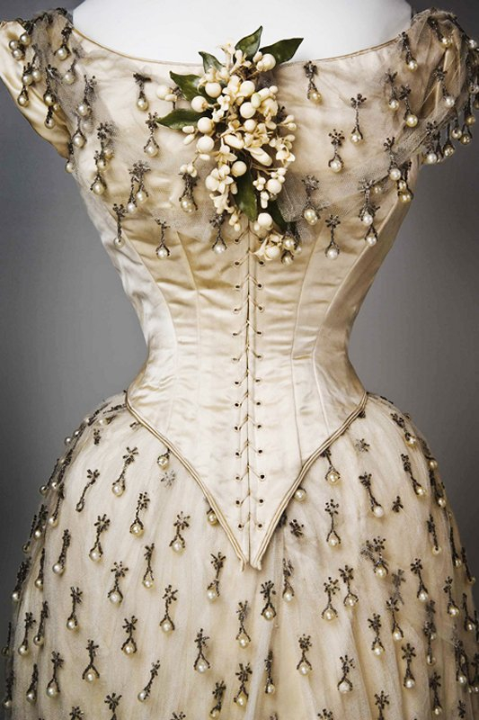+2602 Wedding Dress, 1887.jpg