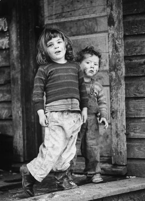 +1103 John Dominis     Two Impoverished Children in a Coal Mining Town,  Kentucky      1964.png