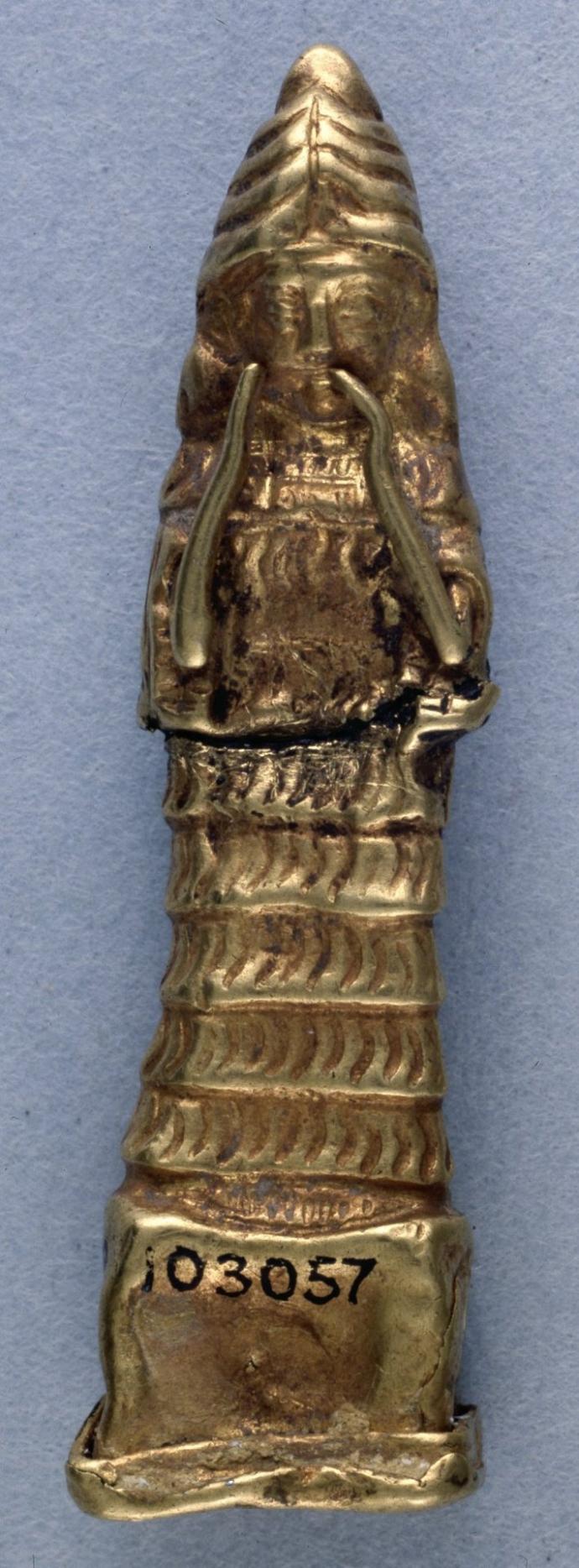 913 Art babylonien Amulette de la déesse Lama (c.2000-1750 BC).jpg
