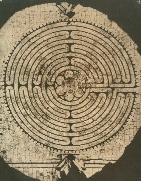 +1138 Le labyrinthe de Chartres.jpg
