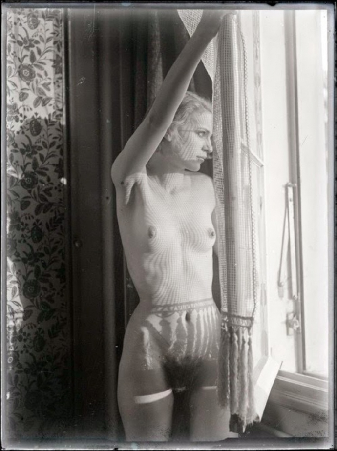 = Lee Miller by Man Ray.jpg