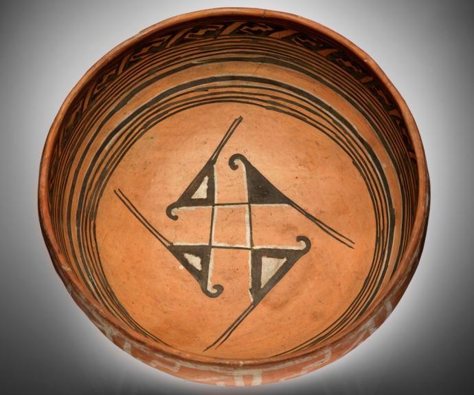 902 Culture hopi Ancestral Hopi bowl AD 1300s Homol´ovi, Navajo County, Arizona.jpg