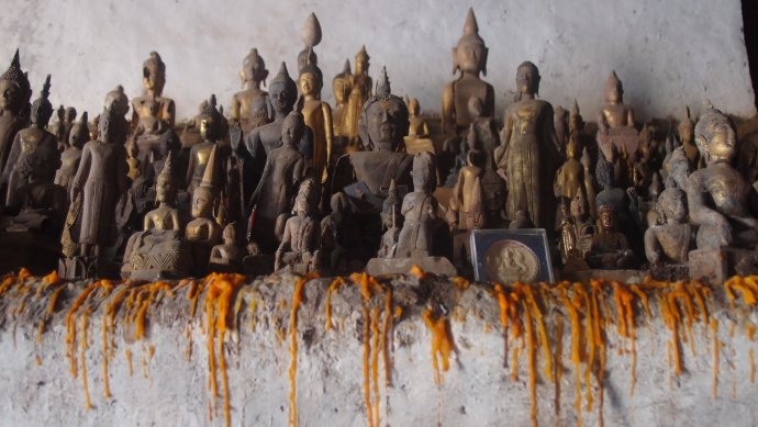 +591 Buddhas of Pak Ou Caves, 16è s Laos 2.jpg