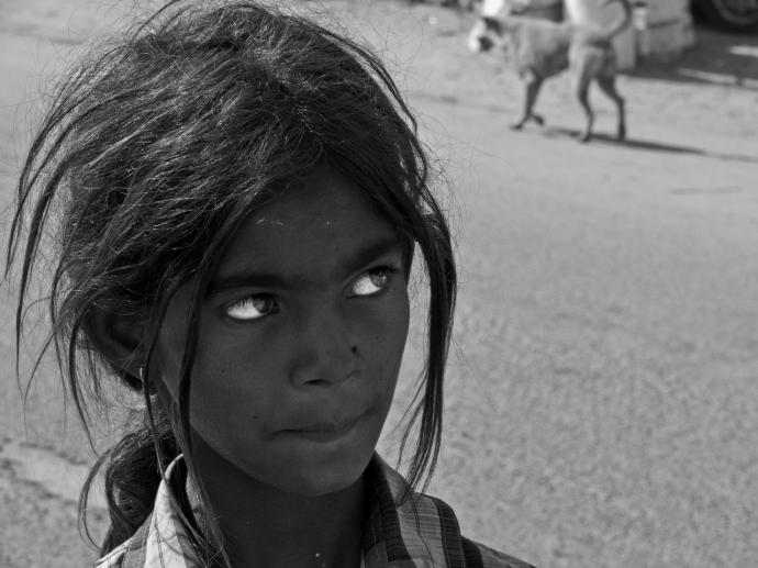 ++ Auteur inconnu  Eyes. Dans les rues de Mandvi. Gujarat. India..jpg