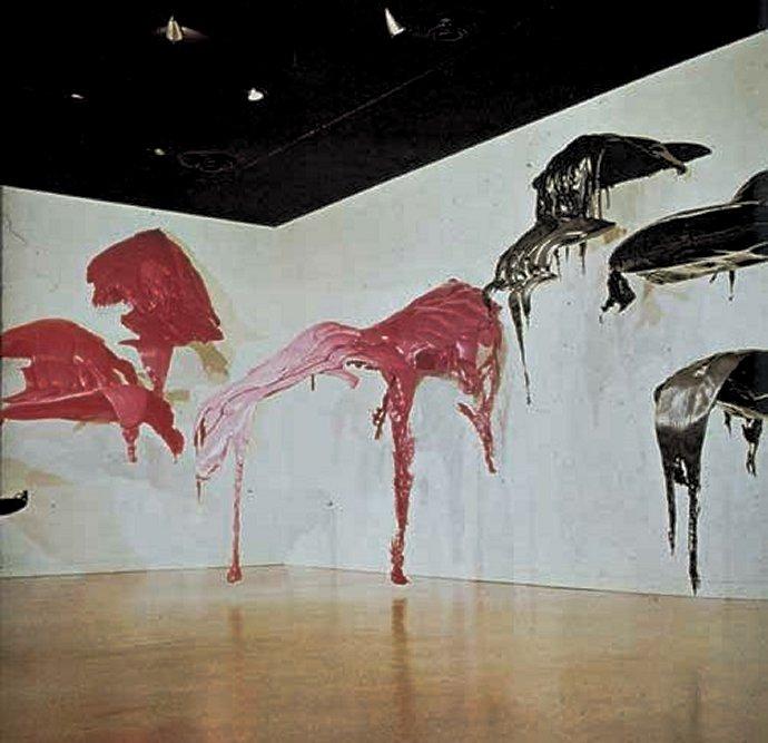 +1161 Lynda Benglis, Totem, 1971, foam installation.jpg