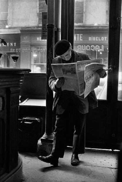 +1088 Peter Turnley     Café Lacour, rue St. Paul, Paris       1976.png
