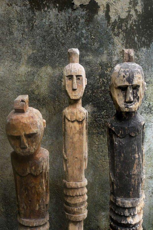 823 culture sumba totems de Kada Uma (protecteur de la maison) Île de Sumba Indonésie.jpg