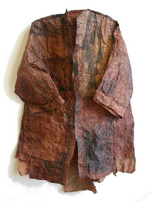 +605b Rosaura Jung   paper coat.jpg